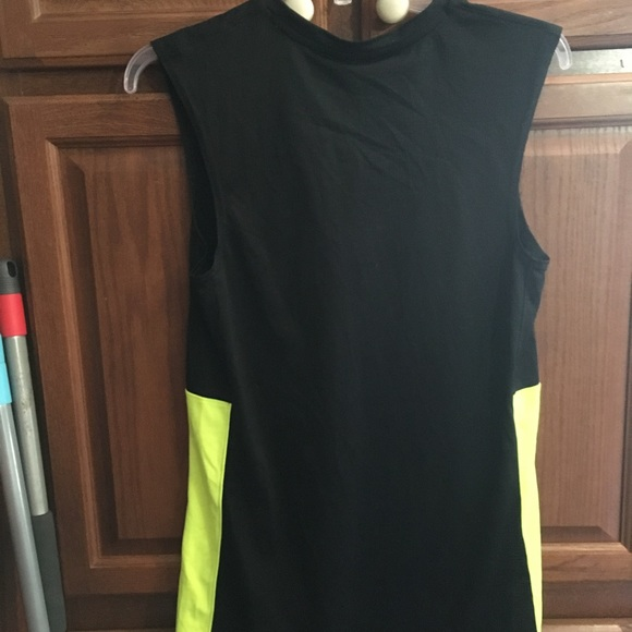 205c076e41af1 Men s Nike Dri-Fit Sleeveless Shirt NEW Small. NWT. Nike.  M 5cb4f34b152812418159bb16. M 5cb4f34dd1aa25f0499c60dd.  M 5cb4f37326219fa6b16db6b7